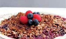 berry dessert crumble - healthy breakfast recipes